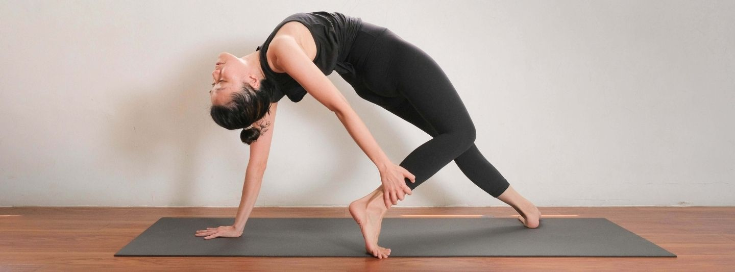 BLOG_yoga-lab-at-home-guide_Banner