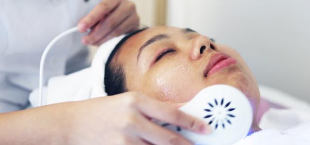 woman undergoing a facial